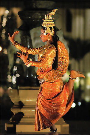 asian-dance-drama-cambodian-dancer